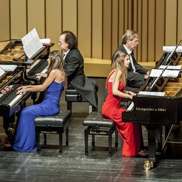 Katsaris-Vakarelis-Wastor-Lazaridis Quartett im Konzertsaal im Friedrichs-Forum