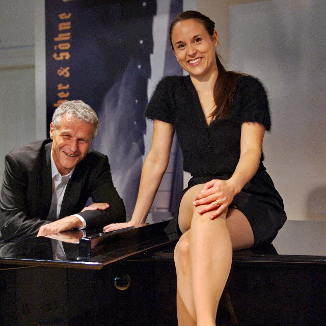 """I've got such a swing to the ordinary"" - Chansons with Johanna Morsch and Herbert Wiedemann on the grand piano"
